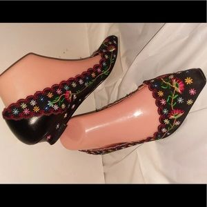 Irregular Choice Size 6.5 EUR 37 Embroidery Floral